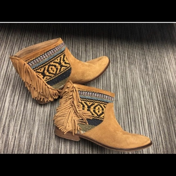 2a7a4244c0a Zara brown fringe suede tribale Ankle flat boots